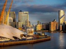 Lever de soleil au-dessus de Canary Wharf Photographie stock libre de droits