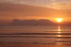 Lever de soleil au-dessus de compartiment du Gibraltar. Photo stock