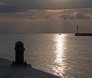 Lever de soleil au-dessus de dock Pier Seawall Jetty de lever de soleil de Puerto au-dessus de Juarez dans la baie Mexique de Can Photos libres de droits