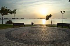 Lever de soleil au-dessus de fleuve de Guadiana Image stock