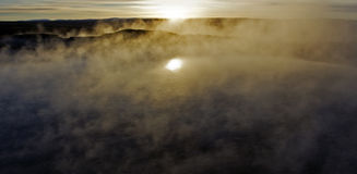Lever de soleil au-dessus de Geysir, la triangle d'or, Islande Photo libre de droits