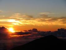 Lever de soleil au-dessus de Hale'akala Images libres de droits