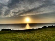 Lever de soleil au-dessus de l'océan Photo stock