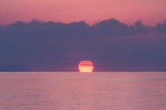 Lever de soleil au-dessus de l'océan d'Andaman Image stock