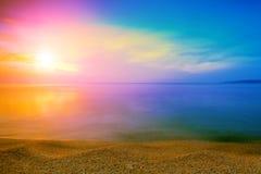 Lever de soleil au-dessus de la mer Images libres de droits
