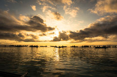 Lever de soleil au-dessus de la mer Image stock