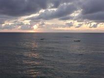 Lever de soleil au-dessus de la mer - Ciel-et la mer Images stock