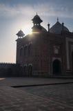 Lever de soleil au-dessus de la mosquée de Taj Mahal photographie stock libre de droits
