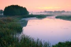 Lever de soleil au-dessus de la rivière Image libre de droits