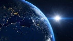 Lever de soleil au-dessus de la terre banque de vidéos