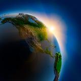 Lever de soleil au-dessus de la terre dans extérieur Photographie stock