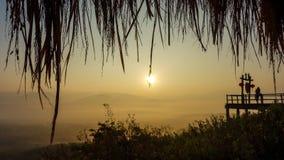 Lever de soleil au-dessus de la Thaïlande somnolente Image libre de droits