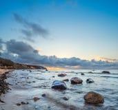 Lever de soleil au-dessus de mer baltique sur l'île Rugen, Allemagne Image stock