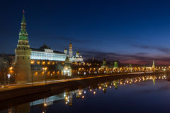 Lever de soleil au-dessus de Moscou Kremlin Photo stock