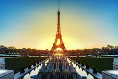 Lever de soleil au-dessus de Paris Images libres de droits