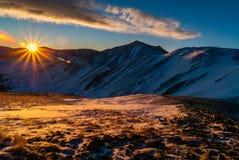 Lever de soleil au-dessus de passage de Loveland photos stock