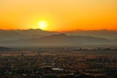 Lever de soleil au-dessus de Podgorica Photo stock