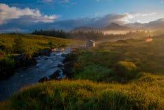 Lever de soleil au-dessus de rivière irlandaise, Images stock