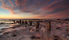 Lever de soleil au-dessus de rockshelf de Coledale Images stock