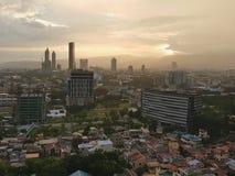 Lever de soleil au-dessus de ville de Cebu, Visayas, Philippines Photos stock