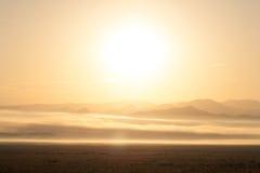 Lever de soleil au-dessus des montagnes près de Westcliffe, le Colorado Images stock