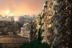 Lever de soleil au-dessus du château médiéval de Salonique Photos stock
