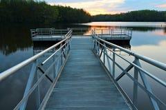 Lever de soleil au-dessus du dock Photo stock
