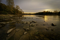 Lever de soleil au-dessus du fleuve de Maumee Photographie stock