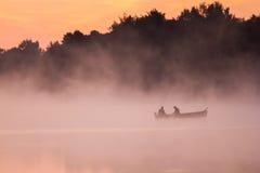 Lever de soleil au-dessus du lac Image libre de droits
