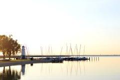 Lever de soleil au-dessus du lac Photographie stock libre de droits