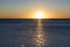 Lever de soleil au-dessus du lac Michigan Photos stock
