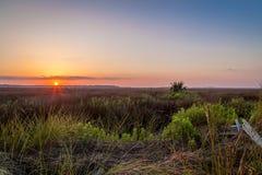 Lever de soleil au-dessus du marais de St Marys images stock