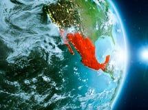 Lever de soleil au-dessus du Mexique sur terre de planète Photo stock