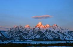 Lever de soleil au-dessus du Tetons grand Photographie stock libre de droits