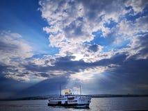 Lever de soleil au-dessus de Fery photographie stock libre de droits