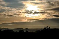Lever de soleil au-dessus de la campagne Photo libre de droits