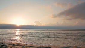 Lever de soleil au-dessus de la Mer Noire banque de vidéos