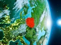 Lever de soleil au-dessus de la Pologne sur terre de planète Images stock