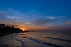 Lever de soleil au-dessus de mer Photo stock