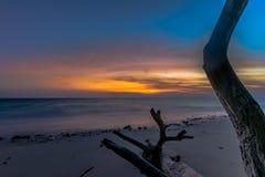 Lever de soleil au havelock de plage de Kalapathar photo libre de droits