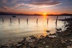 Lever de soleil au lac Photographie stock libre de droits