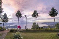 Lever de soleil au lac Toba photo stock