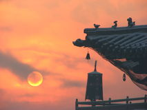 Lever de soleil au monastère de Gandan, Ulan Bator, Mongolie Photos stock