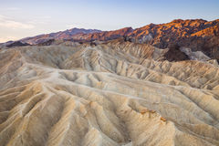 Lever de soleil au point de Zabriskie en parc national de Death Valley, la Californie, Etats-Unis Photographie stock libre de droits
