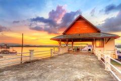 Lever de soleil au port de l'île de Kho Khao de KOH Images stock