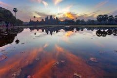 Lever de soleil au temple de wat d'angkor Photo libre de droits