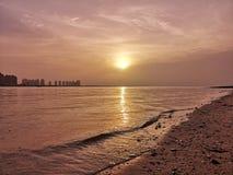 Lever de soleil au village culturel de Katara Photos libres de droits