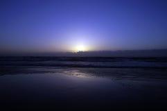Lever de soleil bleu Image libre de droits
