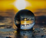 Lever de soleil de boule de cristal photographie stock libre de droits