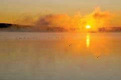 lever de soleil brumeux Images libres de droits